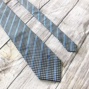 Burberry —— Burberrys of London Men's Necktie